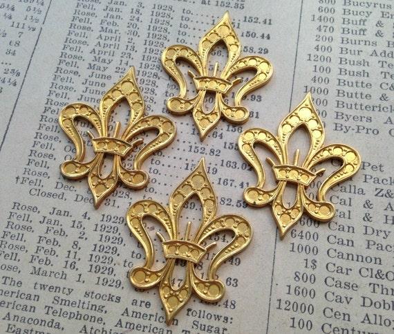 Vintage Metal Fleur de Lis Charms - French, Crown - Shiny Gold - Pendant, Decoration, Finding - Qty 4