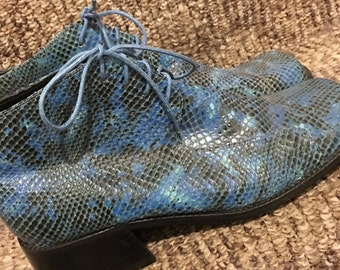 vintage milagros shoes | faux snake skin | chunky heel | platform | ankle boots | blue-black embossed leather  women's shoes | 10 medium