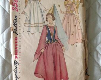Simplicity 4071 Girls' Angel, Princess & Fairy Costume Pattern Size Medium