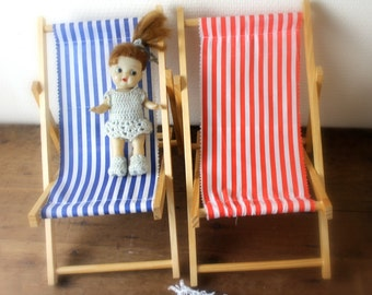 set of doll beach chairs