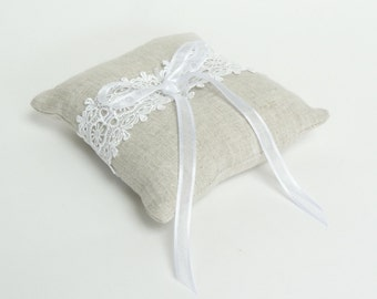 linen ring pillow // ring pillow // linen ring bearer pillow // lace ring bearer pillow