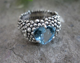 Ring with Sky Blue Topaz, sterling silver.