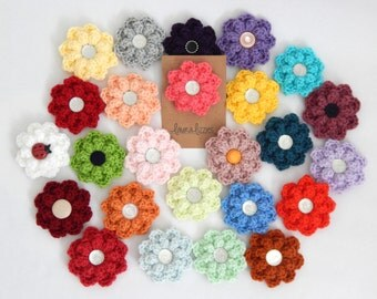 Crocheted flowers accessories with alligator clip
