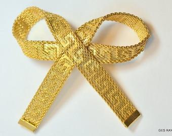 Goldtone vintage mesh brooch