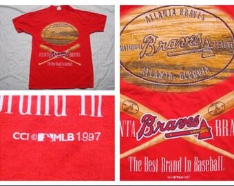 Vintage Retro Men's T-shirt Atlanta Braves The Best Brand in Baseball MLB Red Tshirt Silk Screen Short Sleeve Large