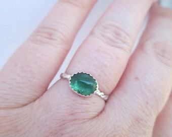 Handmade Delicious Green Tourmaline in 925 Sterling Silver Ring: Size 5