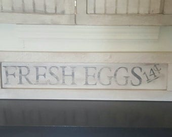 Vintage look distressed Fresh Eggs Sign/Kitchen/Black White/grocery