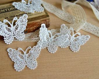 10 pieces White Butterfly Appliques E941