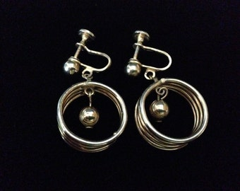 Vintage 1960's Goldtone Ball and Rings; Screw-back earrings