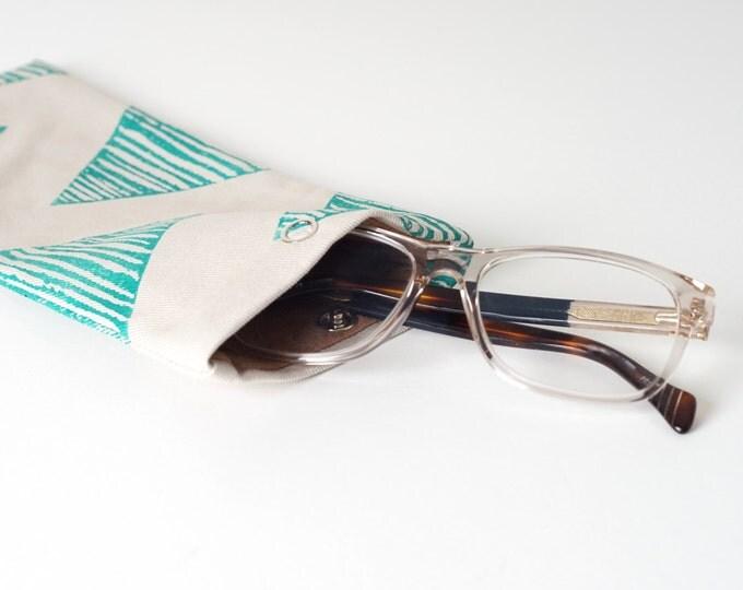 Glasses case - Green Triangle