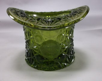 Fenton Green Glass Large Top Hat Buttons and Bows.epsteam
