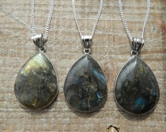 Labradorite Teardrop Pendant, Labradorite Necklace, Silver Necklace, Layering Necklace, Teardrop Pendant.