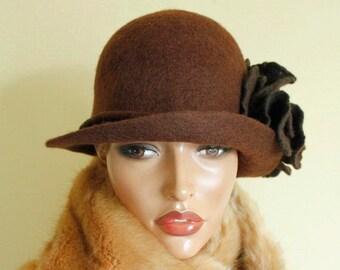 Brown hat, Brown cloche Chocolate brown hat Felt hat Felted hat Cloche felted Brown brooch