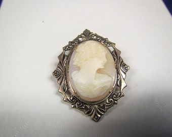 vintage Oval CAMEO  gold tone Pin  or Brooch