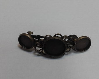 Bronze hair clip with room for 3 cabs