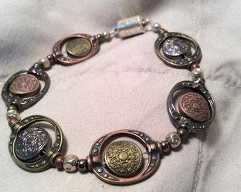 Multi tone bracelet 8 in