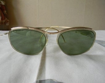 True vintage rare  SOL-AMOR sunglasses true green lenses  gold filled. Made in France.50's.
