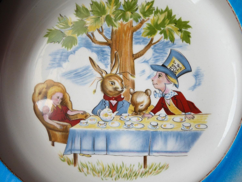 Wonderful Vintage Alice In Wonderland Boxed Ceramic