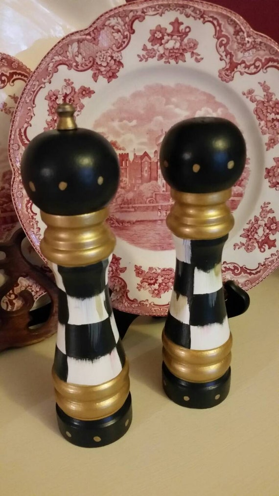 Whimsical black and white check set of medium salt shaker and Funky salt and pepper grinders