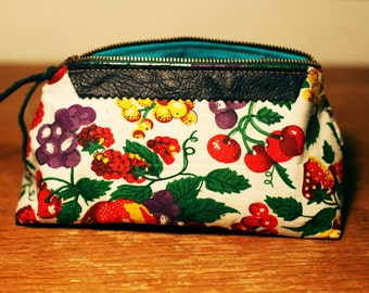Daisy Clutch in Placemat