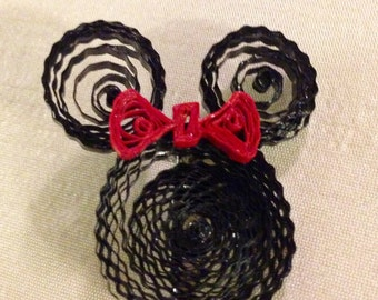 Quilled Minnie Mouse brooch, Quilled Minnie Mouse pin, Minnie Mouse brooch, Minnie mouse pin, Minnie Mouse