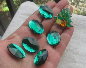 Lot Of Retro Emerald Green Acrylic Oval Shaped Button Covers Plus Christmas Tree Button Cover