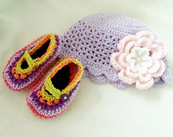 Newborn Baby Girl Set. Hat and Booties. Photo Props.Lilac Hat and Multicolor Booties. Cotton Summer Baby Set. Newborn  Baby Girl Gift