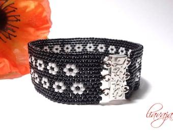 Black Beads Bracelet Peyotearmband engineered bracelet