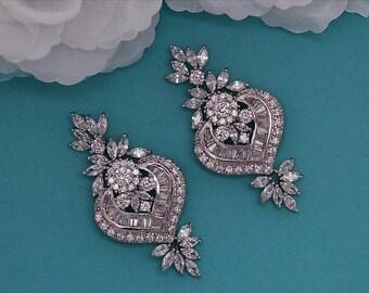 SALE - Stunning Bridal Earrings CZ Swarovski Crystal Chandelier Earrings Vintage Zirconium Bridal Wedding Jewelry Prom Drop Earrings 046