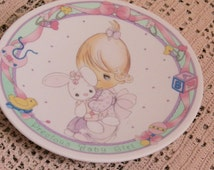Vintage Precious Moments Plate 1992 Precious Baby Girl Porcelain China Souvenir Decorative Plate Collectibles