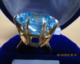 Aquamarine ring   19.20 ct