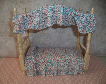 1:12 scale Dollhouse Miniature Twin Size Canopy Bed