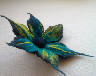 Multicolored Felt Brooch, Blue Yellow Flower, Wool Accessories, Blue Felted Pins, Wool Jewelry, Handmade, Unique, Gift for Her, Accessories