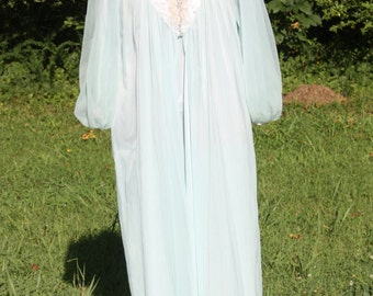 "Vintage women's ""Movie Star"" nightgown"