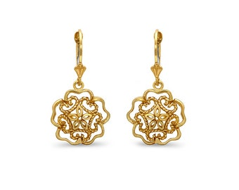 14k solid gold flower motif earrings on fleur de lis lever backs. floral jewelry