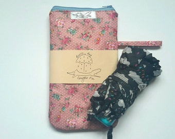 Umbrella bag, brolly, wetbag, waterproof, showerproof, vintage pink flowers
