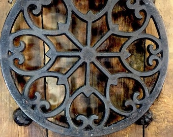 Trivet Cast Iron Victorian Kitchen Ware 4 footed