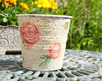 Tin flower pot: ROSES