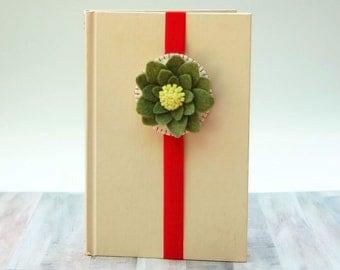 Felt Bookmark, Flower Bookmark, Stretchable Bookmark, Elastic Bookmark,Teacher Gifts,Felt Flower,Green Flower, Unique Bookmark,Love reading
