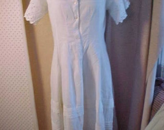 Victorian Long  White Cotton Dress, Has lace and tucks, short eyelet lace sleeves, Ruffle Med
