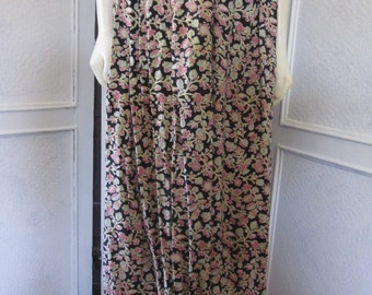 """1980s Tea-Length Rayon Floral Print Skirt by """"Significance,"""" Size 8"""