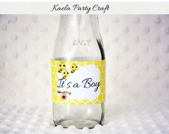 Bee bottle labels. Bee baby shower labels. Bee baby shower. Bee baby shower decorations. Bee 1st birthday. Bee birthday decoration