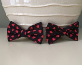 Dog Bow / Bow Tie - Black w Red Hearts
