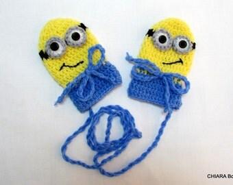 Hand Knit Baby Mittens with String - Children gloves -  Knit Baby Mittens - Newborn Baby Mittens