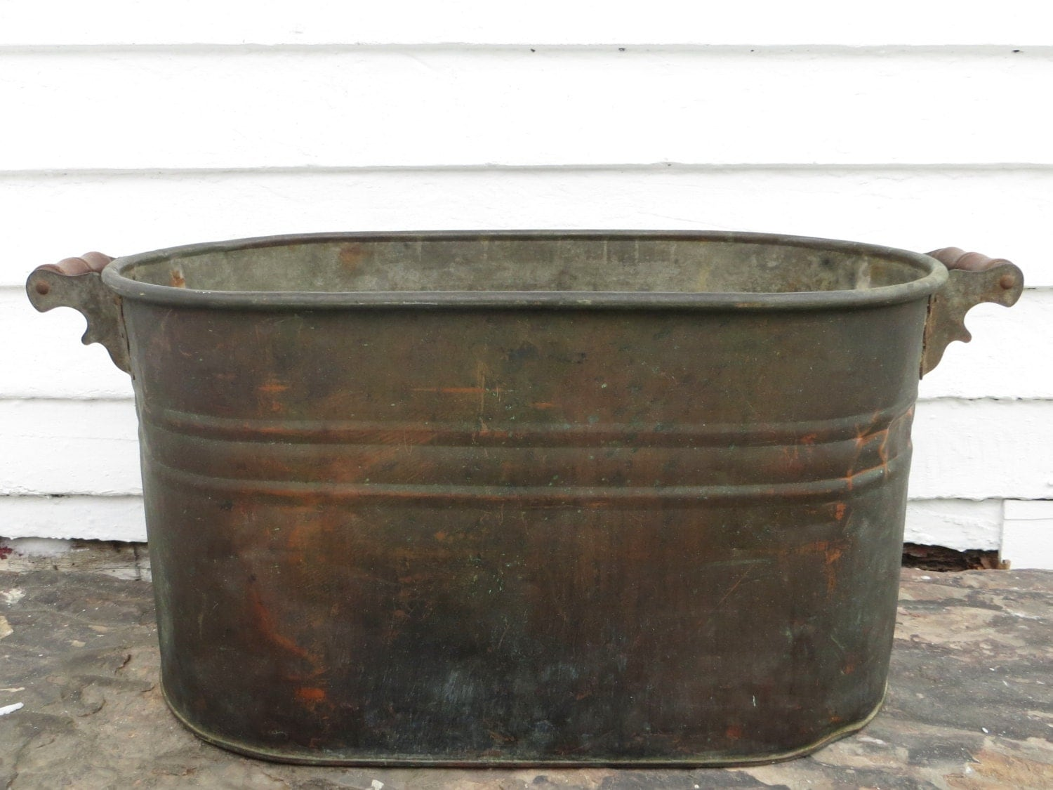 Antique copper boiler holds water large primitive copper for Copper water boiler