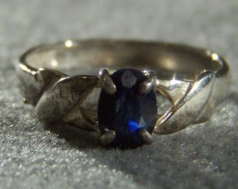 Vintage Sterling Silver Oval Blue Sapphire Fancy Ring, Size 8 Jewelry **RL