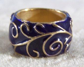 Vintage Yellow Gold Tone Enamel Eternity Wedding Band Ring, Size  6.5     **RL