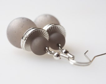 gray earrings pearls earrings gray silver
