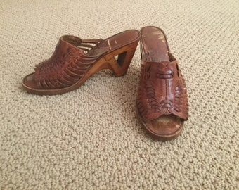 1970s wooden sandals size 4