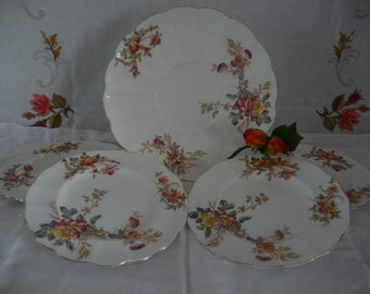 Very Pretty Vintage Cake Plates Set With Delicate Floral Pattern